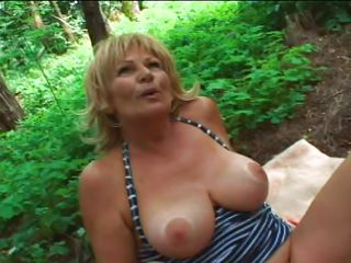 granny blonde slut does a perfect blowjob