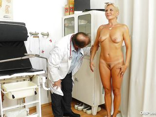 blonde broad czech doc