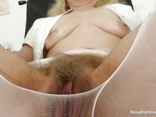 ass big blonde czech