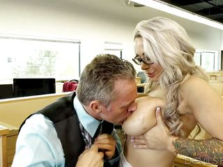 alyssa big blonde blowjob