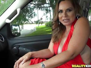 big blowjob brunette car