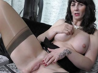 big brunette fingering lace